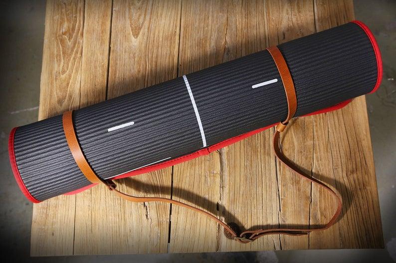 Vegetable tanned leather Yoga mat strap , brown black leather blanket strap carrier holder , yogi gift  YGLSX