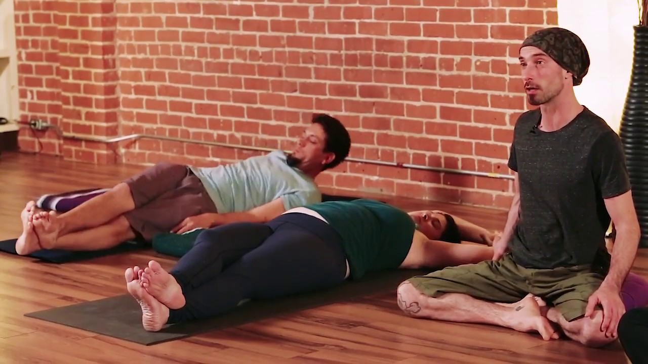 Yin Yoga for EveryBody Ch 14: Reclined Side Bends