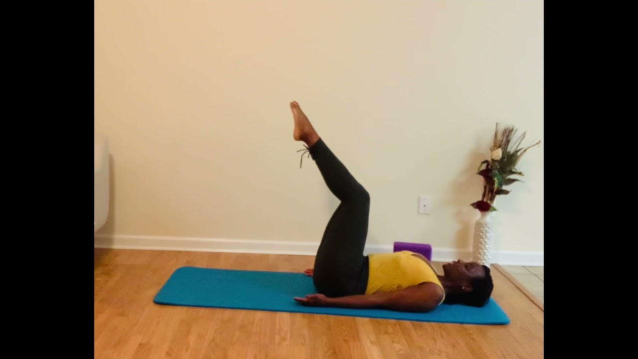 Yoga with Daya (drums accentuating your affirmations) 10 minute beginner 🧘🏾‍♀️