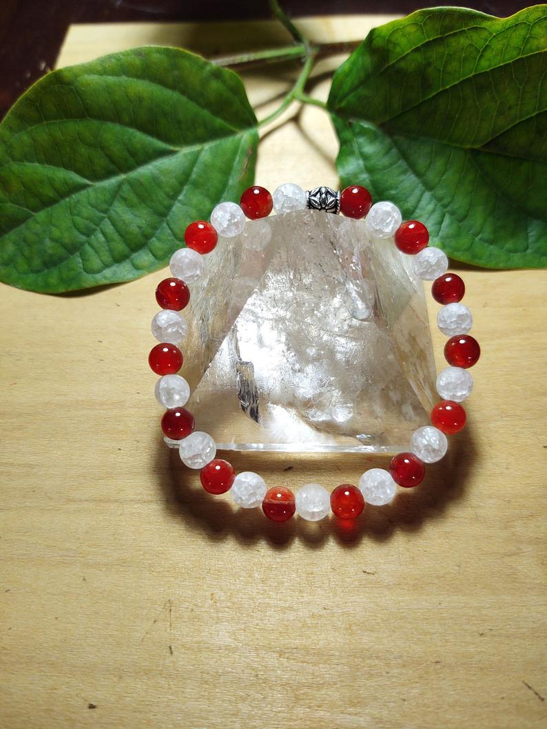 Lovely Red Agate and Mat Crackle Quartz Bracelet