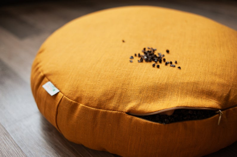 Zafu Linen floor cushion with Buckwheat hulls /Organic Meditation cushion/buckwheat/ pillow seat/Meditation cushion for Yoga studio