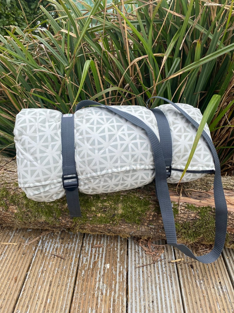 Picnic Blanket / Grey and White 100% Waterproof Padded Cotton Picnic Blanket /  Quilted  Camping Travel Beach Mat / Outdoor Yoga Rug