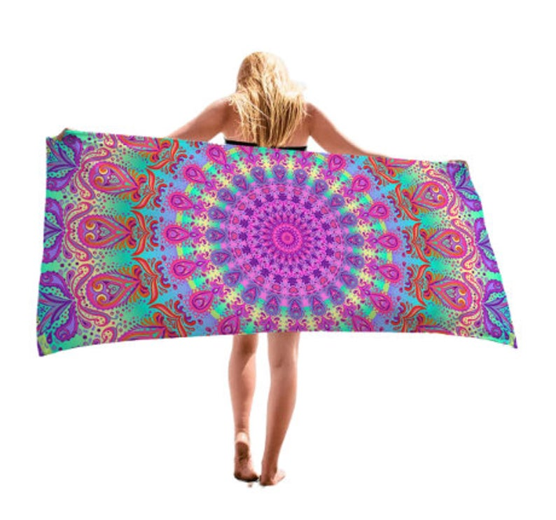 Microfiber Beach Towel  Quick Drying Pool Towel with Vibrant Colors for Kids Adults Yoga Mat