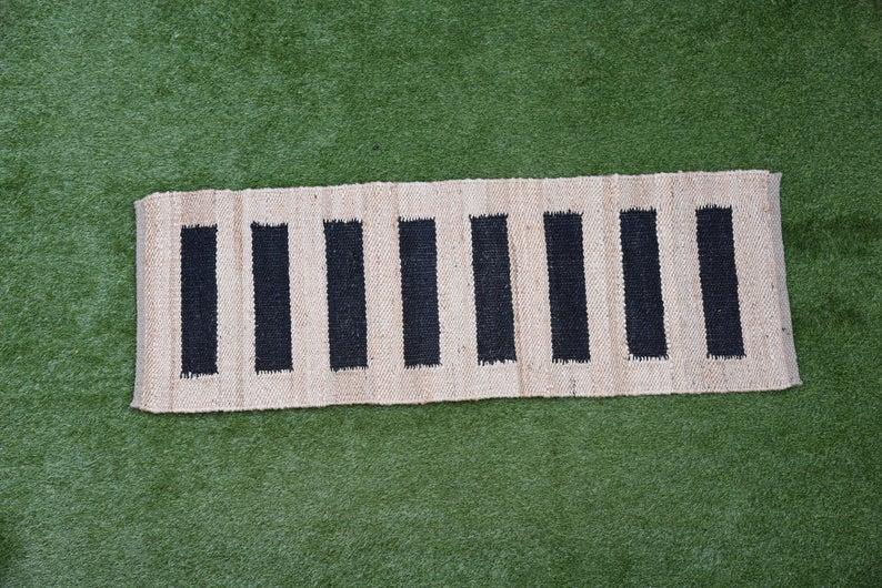 2.5×6,2.5×8,2.5×12,2.5×14,2.5×16,2.5×20 Ft. Handmade Jute Rug Yoga mat throw carpet Hand loom Hemp Jute Runner  Rug Doormat Bed side Runner