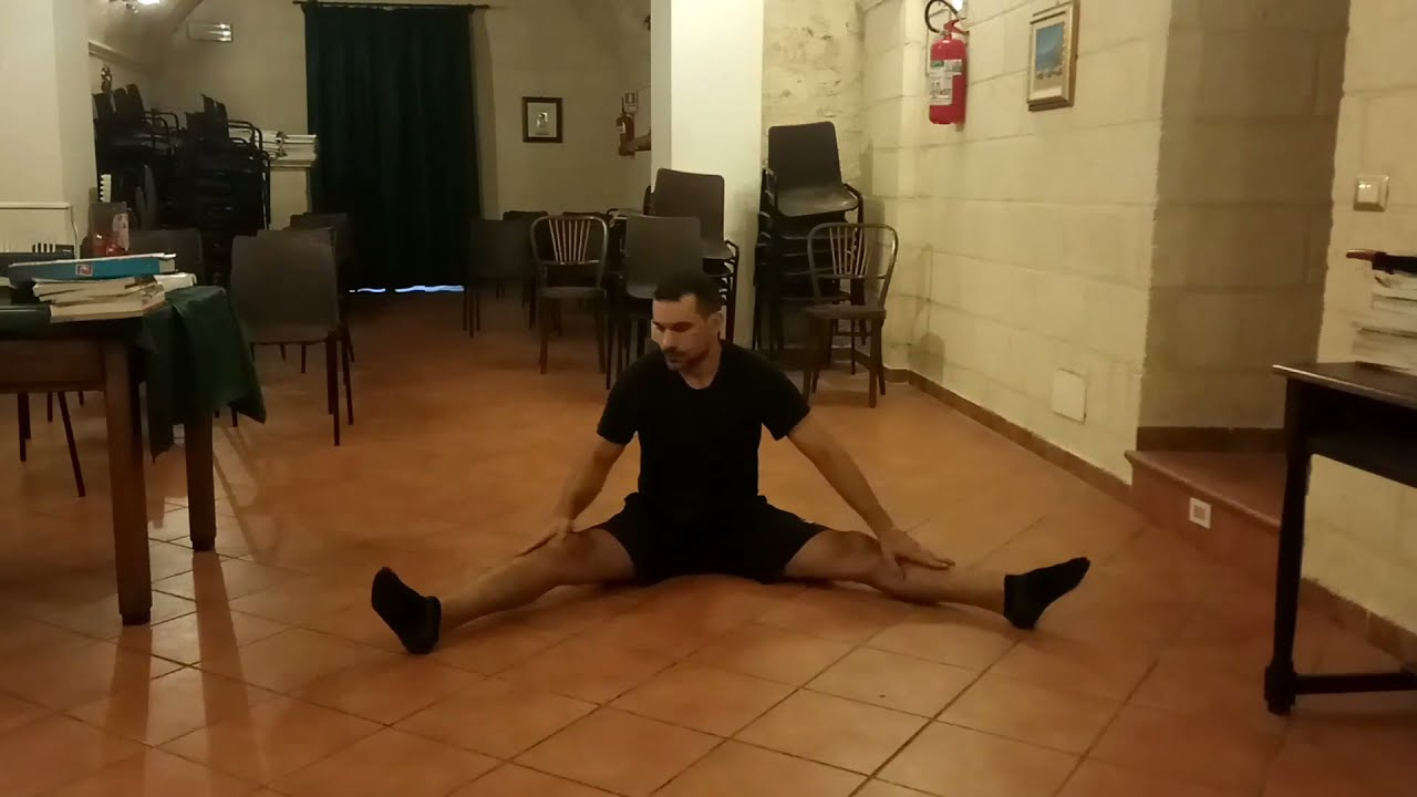 Essential asana yoga / Asana yoga essenziale: passive static stretching