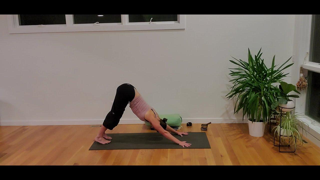 Yoga at Home with Caroline: Slow evening flow – side bends