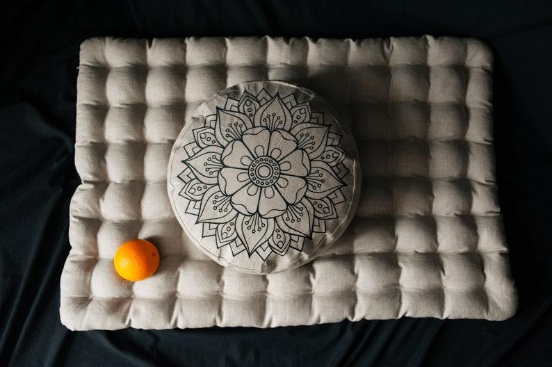 Embroidery Meditation Set Zafu 8.5″ – diameter and 14″ height  & Zabuton 23″ x 35″ with Buckwheat hulls